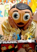 2008-Frank-Sidebottom-pos-008
